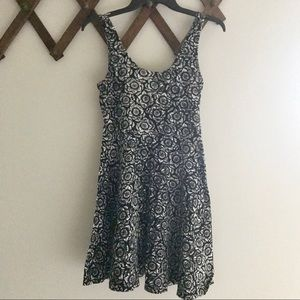 Ecoté black & white sunflower dress